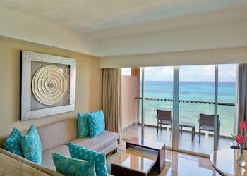 Ocean Front Suite (1 King)