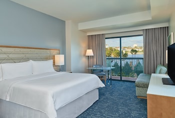 Room, 1 King Bed, Balcony, Resort View (Fireworks View)