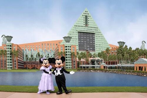 Walt Disney World Dolphin image 31