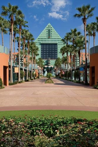 Walt Disney World Dolphin image 12