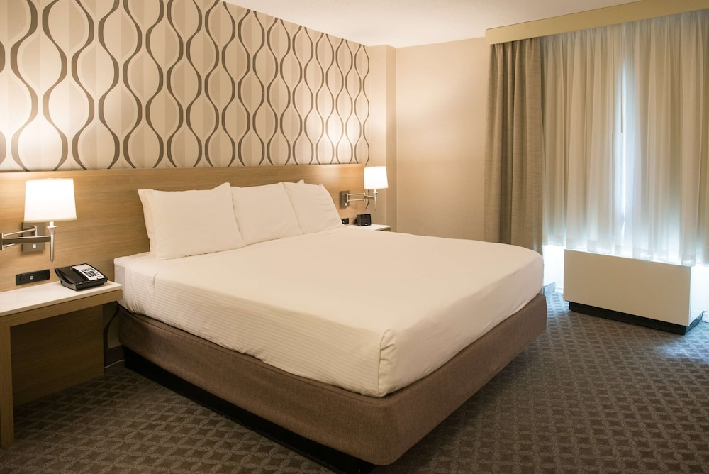 Superior Suite, 1 King Bed, Non Smoking, View