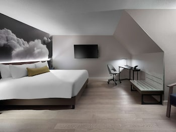 Junior Suite, 1 King Bed (Executive)