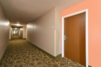 Beaver Vacations - Quality Inn - Property Image 1
