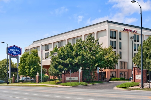 . Hampton Inn by Hilton Chicago-Midway Airport