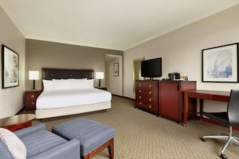 One king bed deluxe room