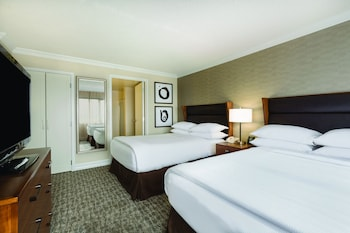 Suite, 2 Double Beds Free Made-to-Order Breakfast and Complimentary Evening Reception