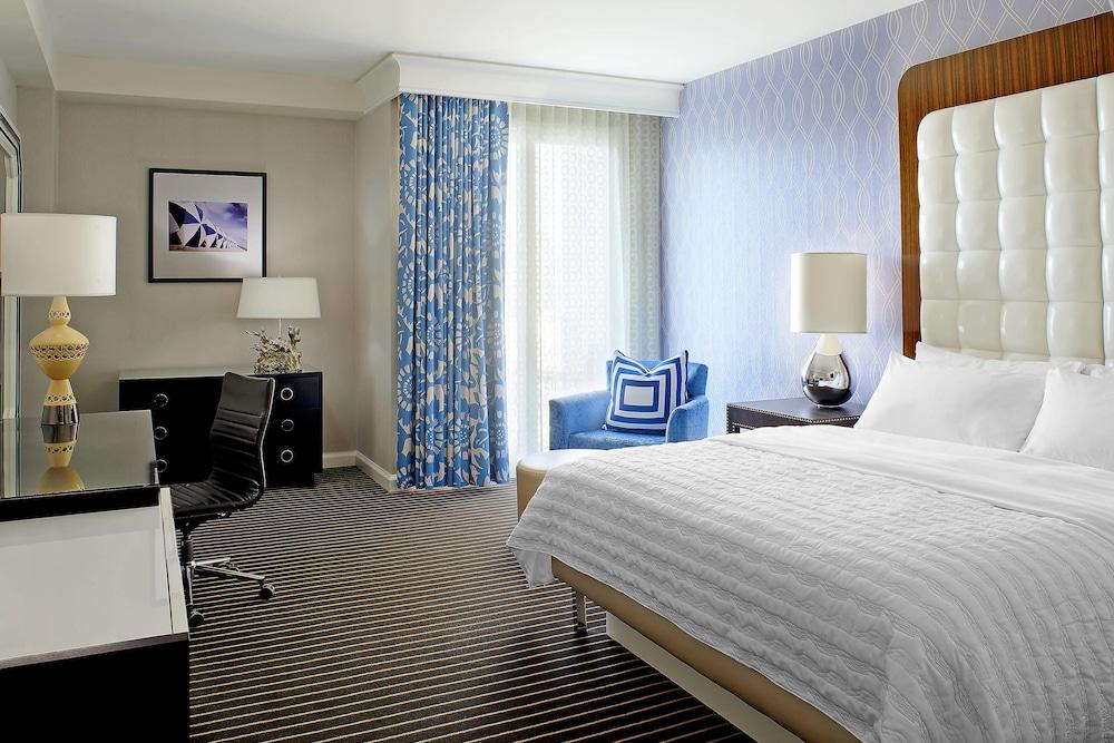 https://i.travelapi.com/hotels/1000000/20000/13000/12942/eac92524_z.jpg