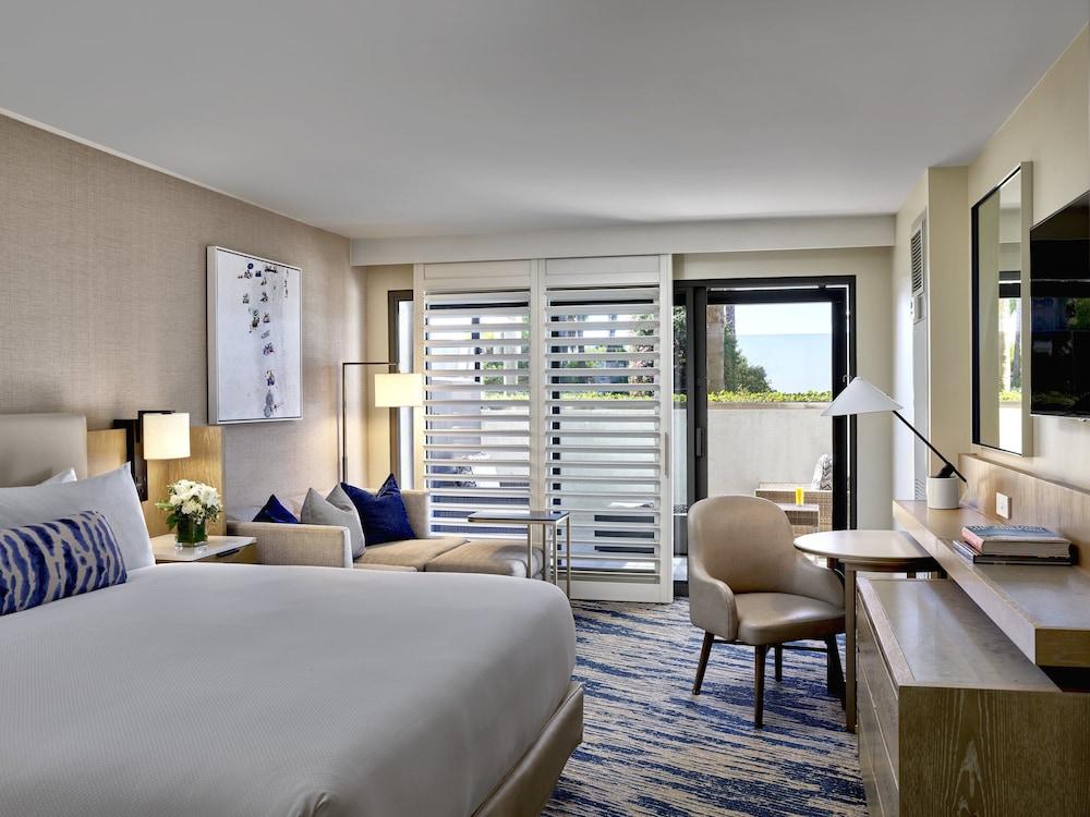 https://i.travelapi.com/hotels/1000000/20000/13000/12954/7cebf7e4_z.jpg