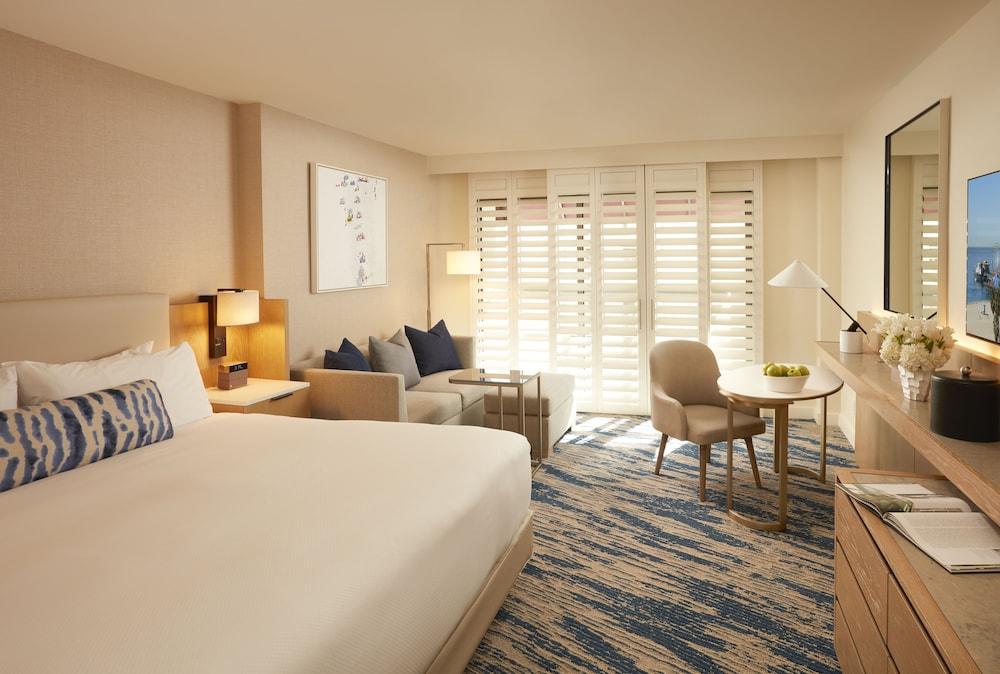 https://i.travelapi.com/hotels/1000000/20000/13000/12954/85e1ca44_z.jpg