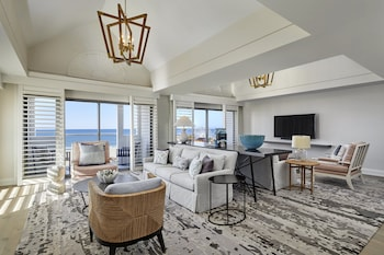 Luxury Suite (Pacifica)