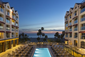 Hotel - Loews Santa Monica Beach Hotel