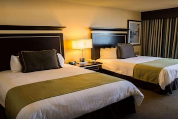 Room, 2 Queen Beds, Non Smoking, View (Cove)