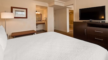Family Suite, 1 King Bed, Non Smoking, Refrigerator & Microwave (2nd Floor)