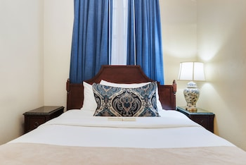 Standard Room - One King Bed