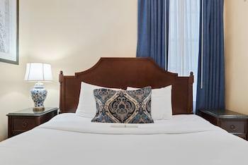 Standard Room - One Queen Bed