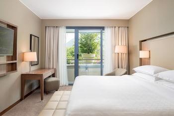 Süit, 1 Yatak Odası, Balkon, Havuz Manzaralı