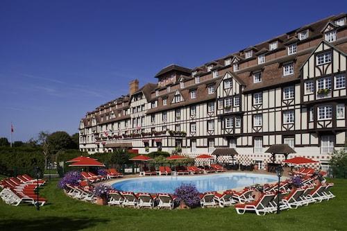 . Hôtel Barrière L'Hôtel du Golf Deauville