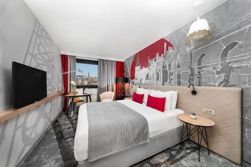 . Mercure Budapest Castle Hill