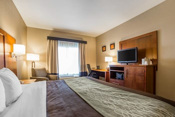 Salt Lake City Vacations - Comfort Inn & Suites Woods Cross - Salt Lake City North - Property Image 1