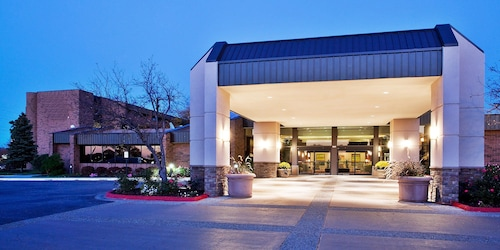 . The Plaza Grand Rapids Airport Hotel & Conference Center