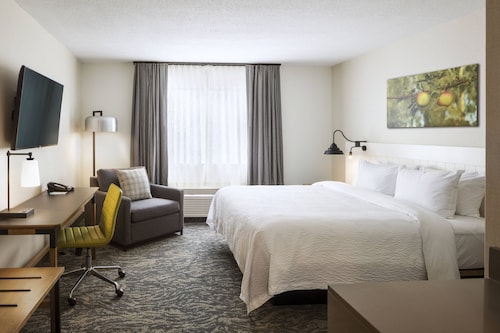 . Fairfield by Marriott Inn & Suites Providence Airport Warwick