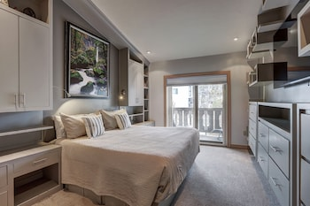 Riva Ridge 4 Bedroom Residence (Off-Site in Vail Village)