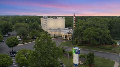 . Holiday Inn Express Stony Brook, an IHG Hotel