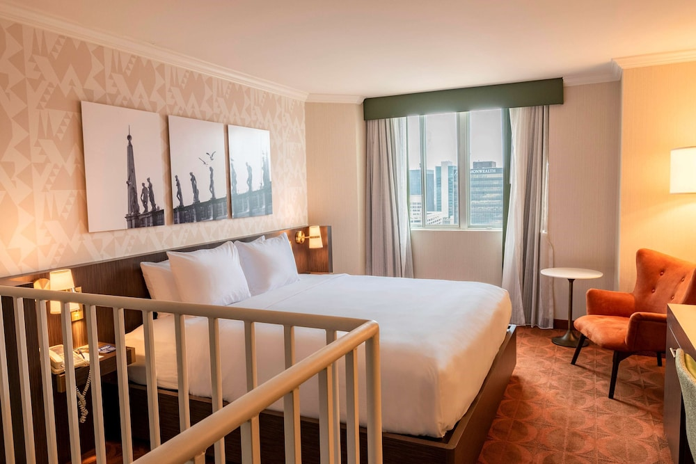 King Suite, Two Rooms with Balcony
