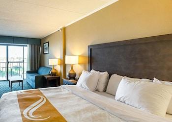 Room, Oceanfront, 1 King Bed & Sofa, Kitchenette