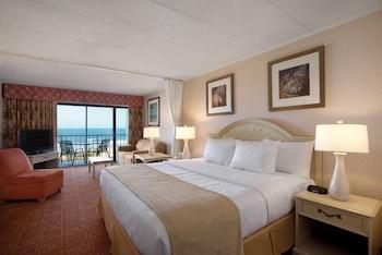 Room, Beachfront 1st Floor, 1 King & Sofa, Kitchenette