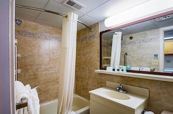 Room, Oceanfront, 2 Double Beds & Sofa, Kitchenette