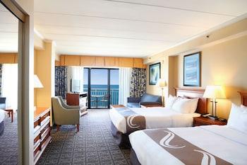 Efficiency, Oceanfront, 2 Queen Beds & Sofa Bed, Interior Entrance, Non Smoking