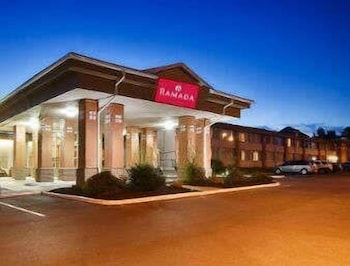 Ramada by Wyndham East Syracuse Carrier Circle