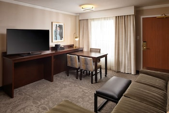 Executive Suite, 1 King Bed (Fitness)