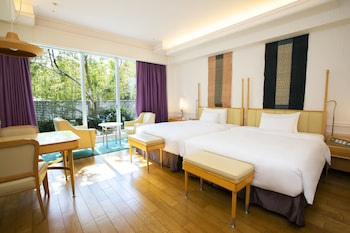 Garden Luxury Suite Room , Non-Smoking (2 single beds and 4 Japanese futons)