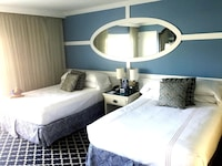 Room  2 Double Beds  Marina Side