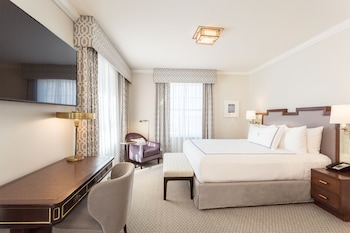 Artist's Suite - 1 King Bed