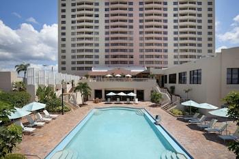 坦帕機場 - 西岸希爾頓大使套房飯店 Embassy Suites by Hilton Tampa Airport Westshore