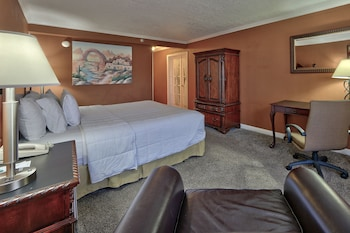 Superior Suite, 1 King Bed, Non Smoking (Two-Bedroom Suite)