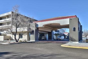 阿布奎基中城廣場溫德姆華美達飯店 Ramada Plaza by Wyndham Albuquerque Midtown