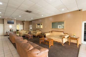 Lobby Sitting Area at Vacation Inn Phoenix in Phoenix