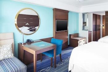 オーシャンドリームルーム ベッド2台 シェラトン・グランデ・トーキョーベイ・ホテル