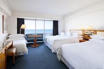 スタンダードルーム ベッド3台|シェラトン・グランデ・トーキョーベイ・ホテル