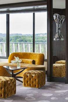 Suite (Diplomat)
