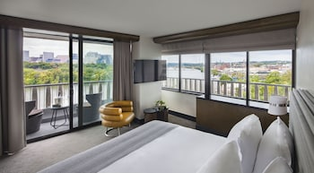Executive Suite, Balcony, River View