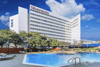 Hotel - Sheraton North Houston at George Bush Intercontinental