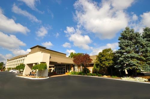 . Holiday Inn Cleveland-Mayfield, an IHG Hotel