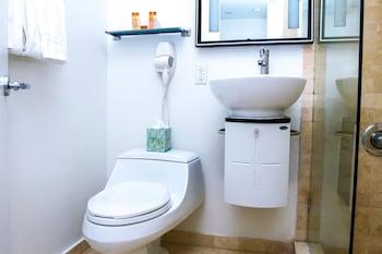 Dorchester Hotel - Bathroom  - #0