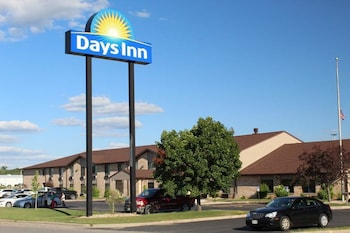 Days Inn by Wyndham Black River Falls photo