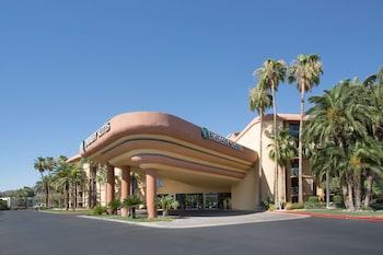 比特摩爾鳳凰城大使套房飯店 Embassy Suites Phoenix - Biltmore